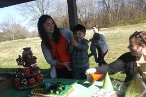 otis tractor cake clapping